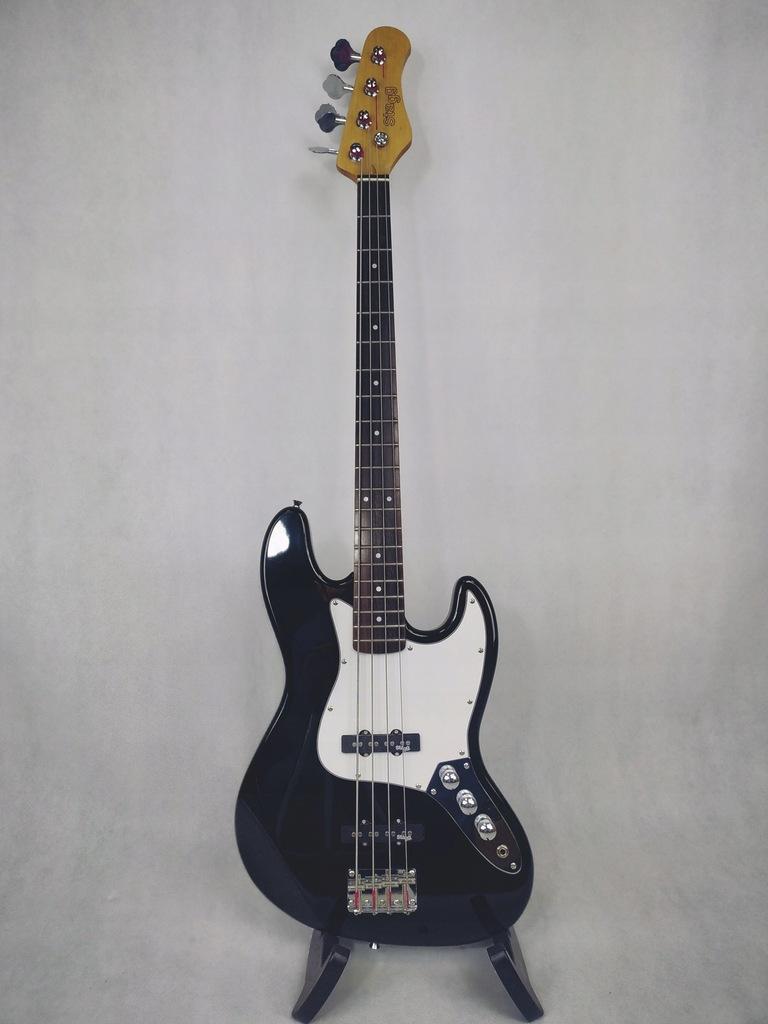 Stagg B 300 BK - gitara basowa B-stock