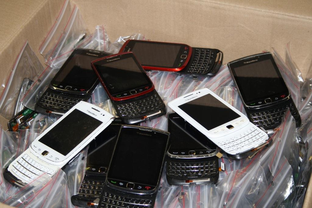 Pakiet Wyświetlaczy BlackBerry 9800 9810 100szt