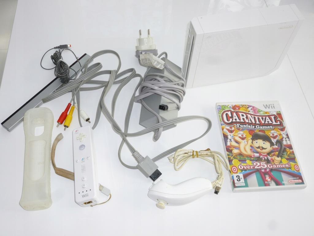 Nintendo Wii biała konsola ,pady , gra, kable