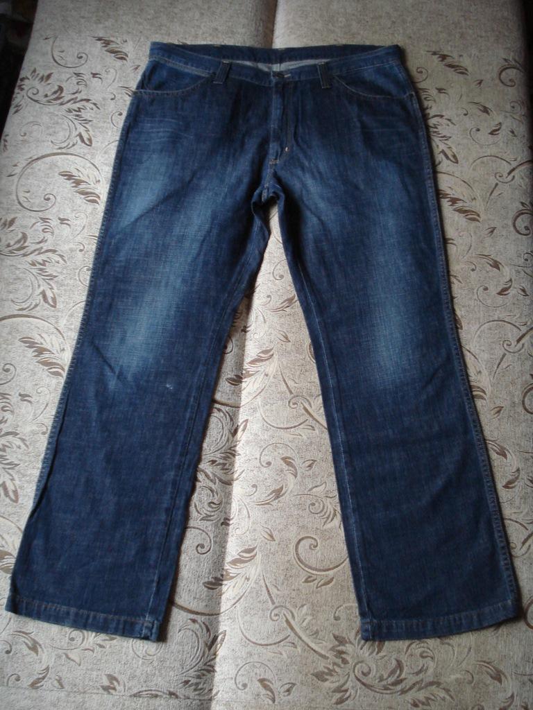 Spodnie Wrangler pas 104-106