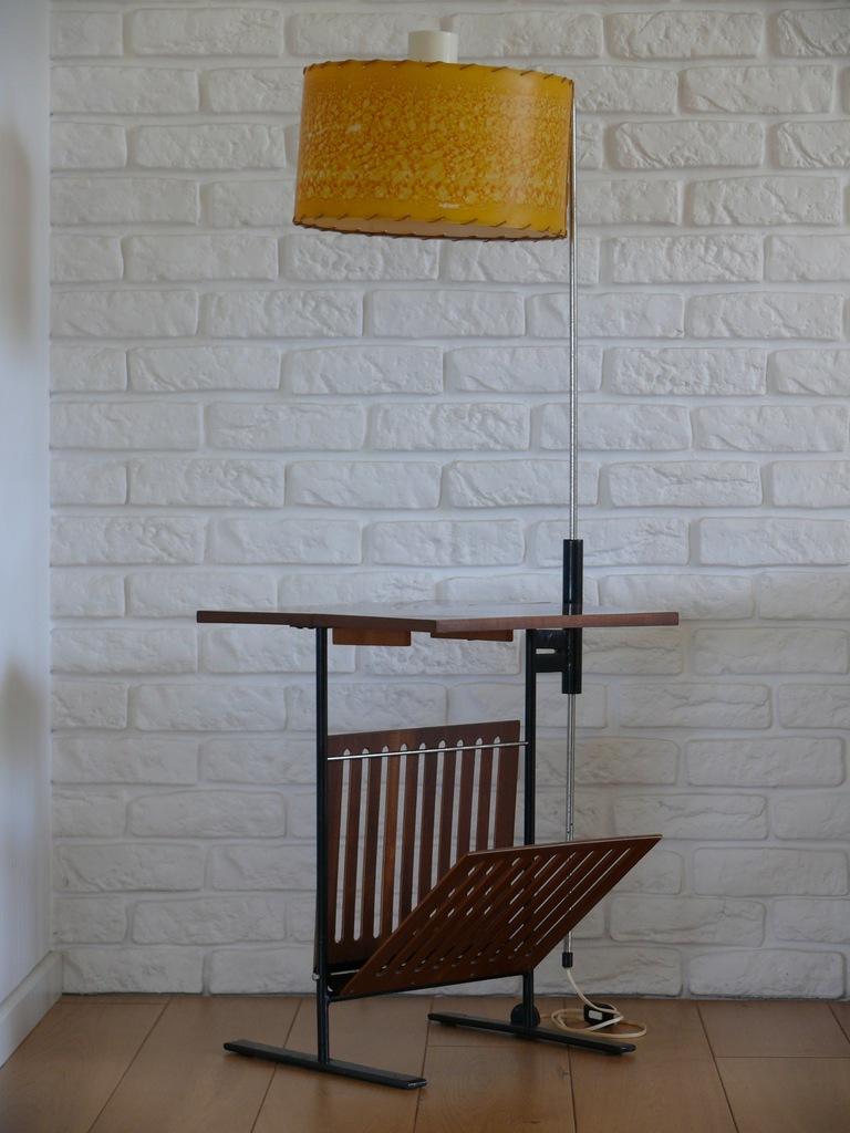 Lampa z gazetnikiem, polski BAUHAUS wczesny Gierek