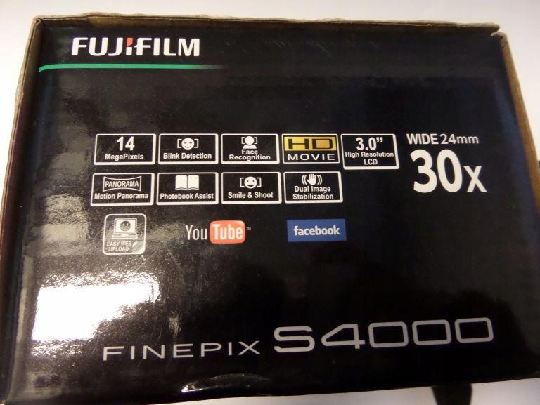 APARAT FUJIFILM S4000