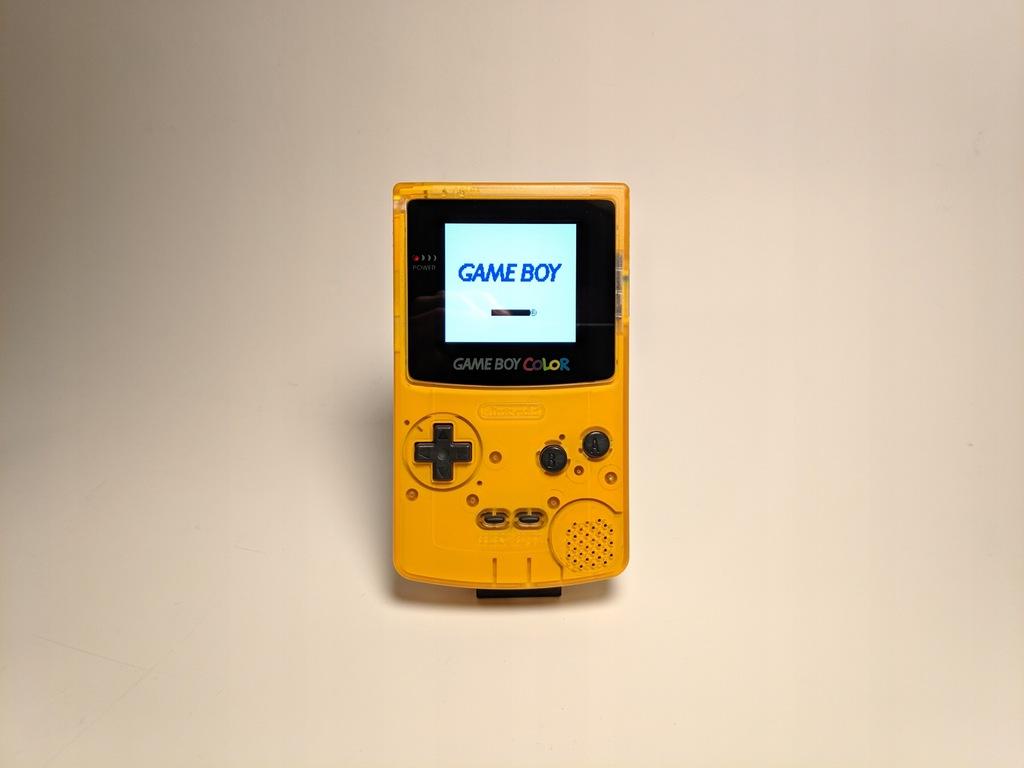 Game Boy Color z ekranem IPS.