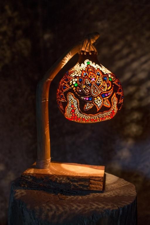 UNIKAT Nastrojowa ręcznie robiona lampka z tykwy
