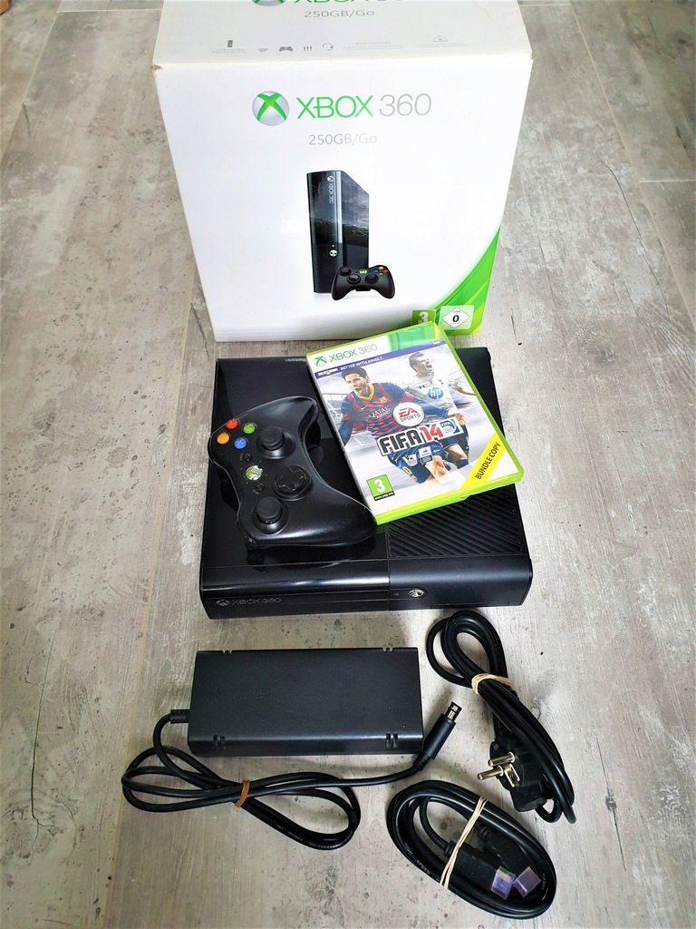 Konsola do gier Xbox 360 E 250GB + 60 gier