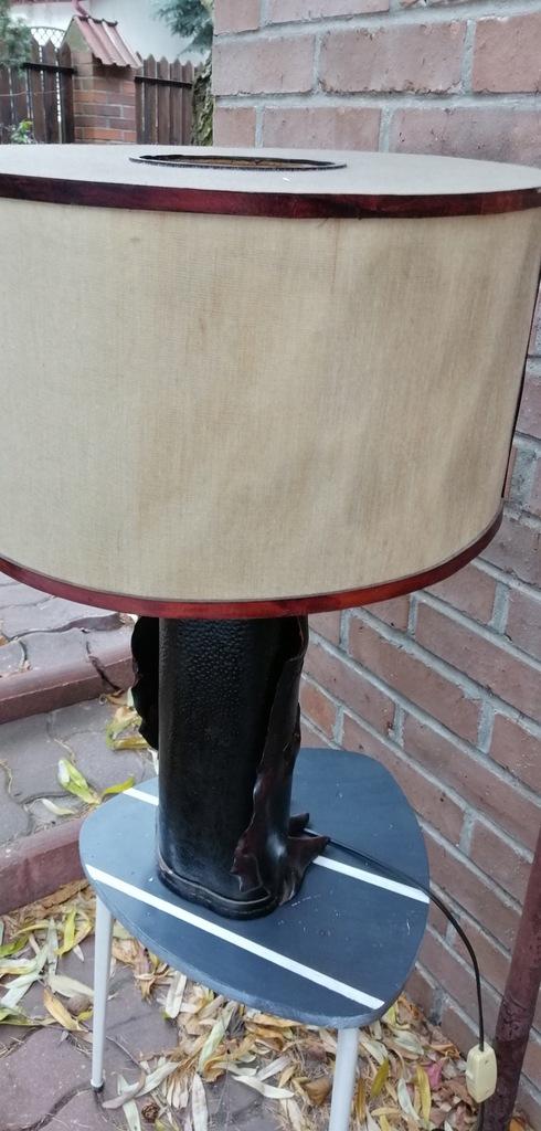 Przepiękna lampka skórzana podstawa