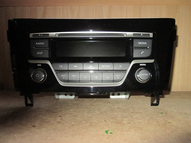 Radio CD Nissan Qashqai 2014 rok