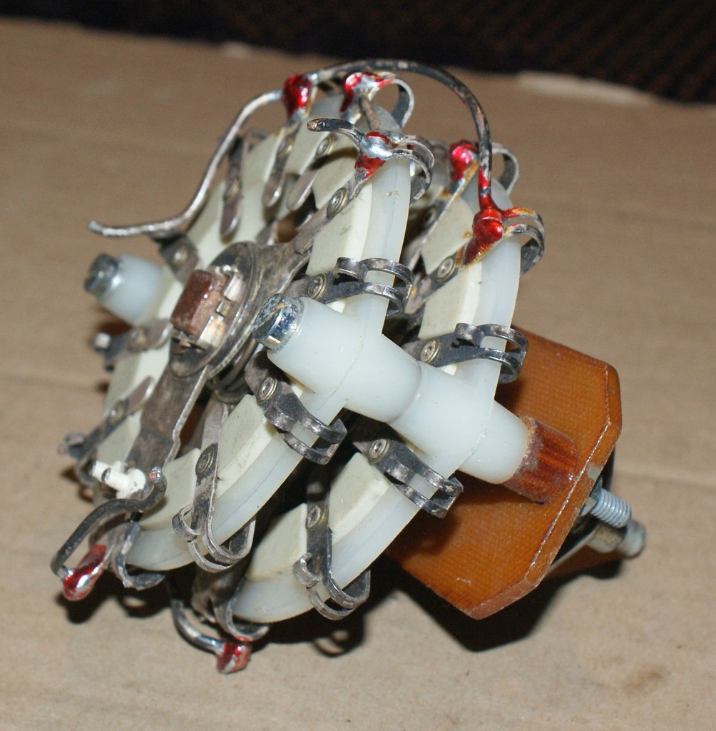 Przełącznik cewki do PA KF dużej mocy.