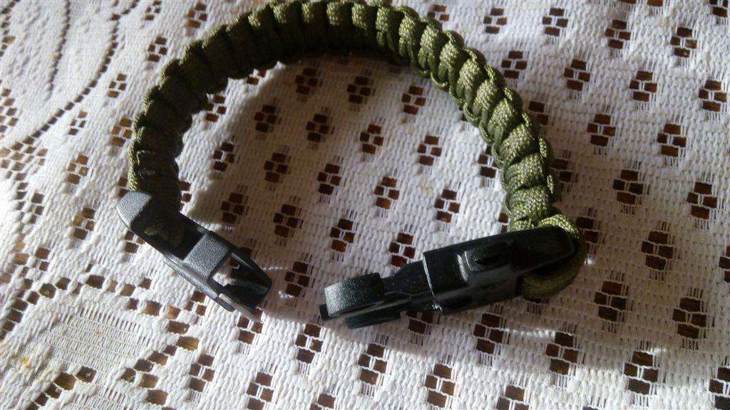 bransoletka przezycia na ręke  Zielona BEAR GRILS