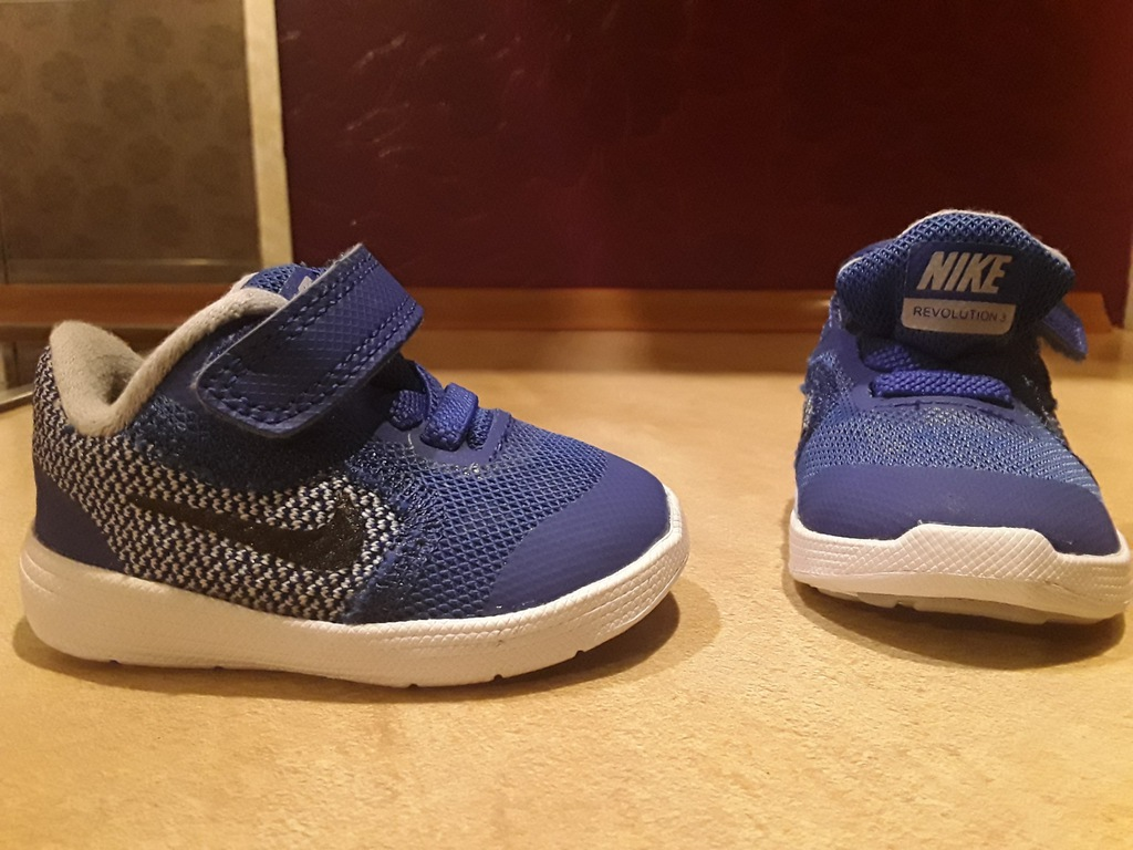 Nike 17 revolution 3