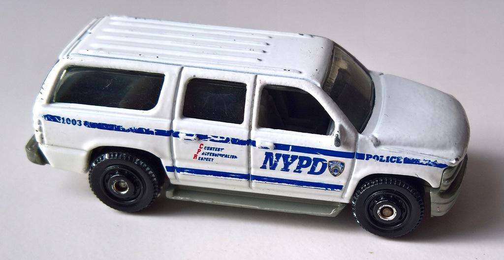 MATCHBOX-CHEVROLET SUBURBAN NYPD
