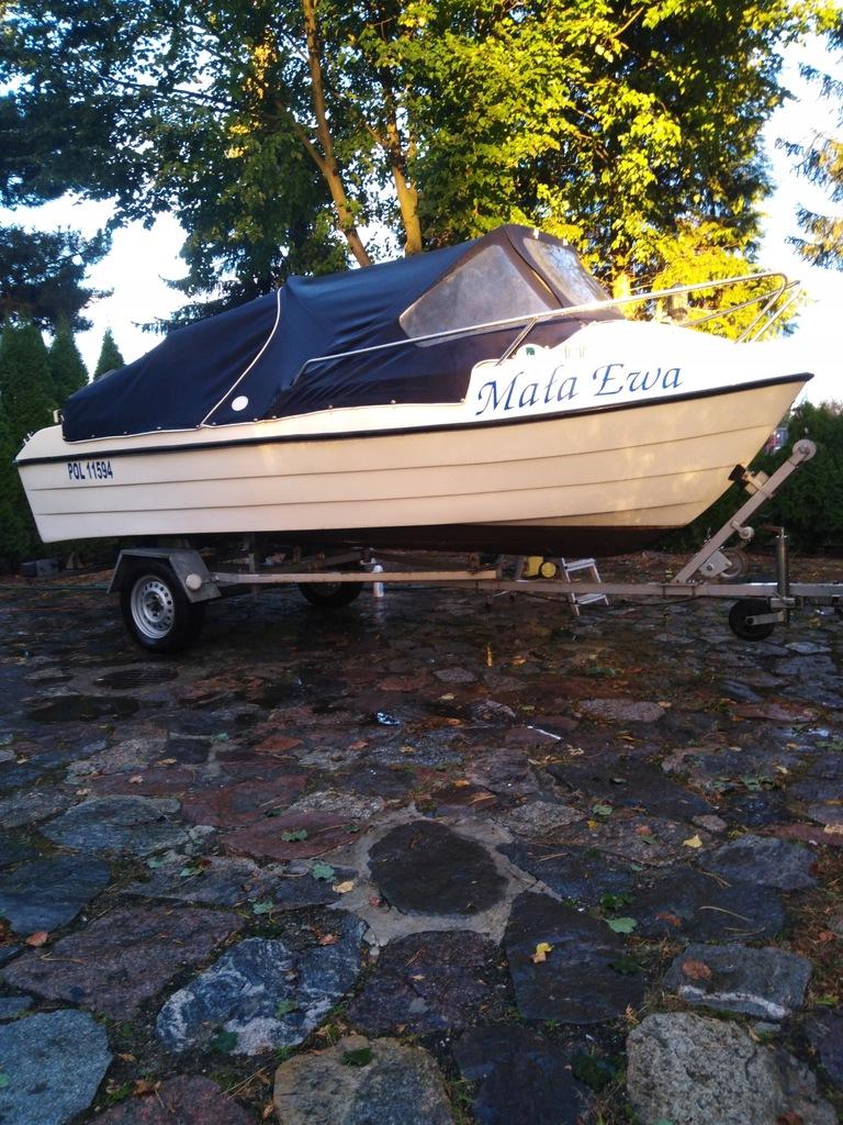 Łódka PM 450 wraz z przyczepą