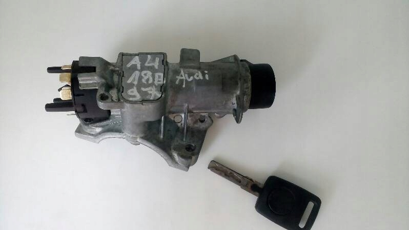 Stacyjka Audi A4 B5 1.8 B 4D0905851