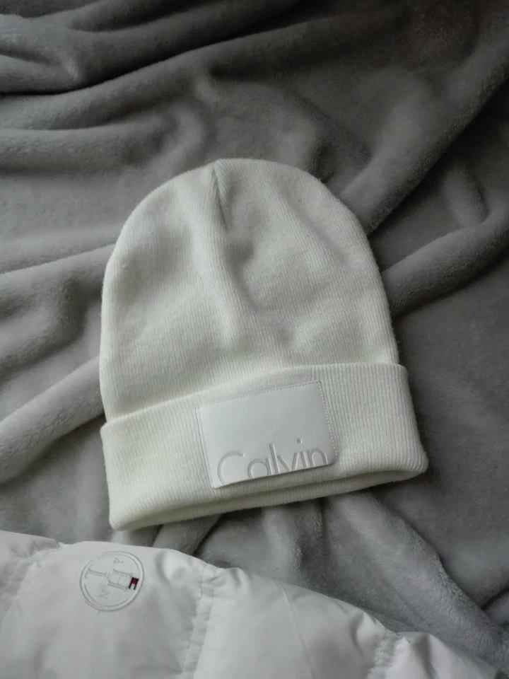 CK Calvin Klein czapka ecru beanie jak nowa