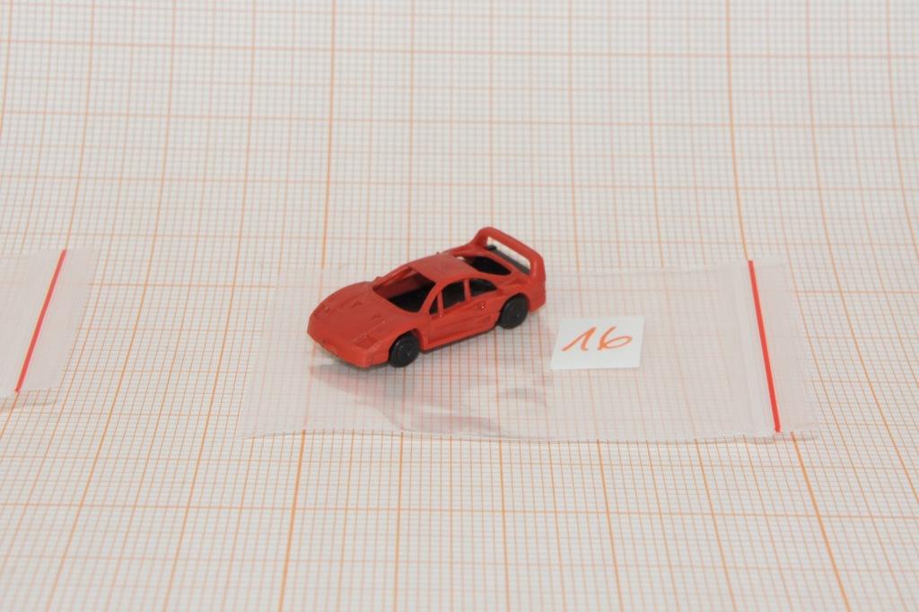 Auto na makietę w skali N 1/160 (16)