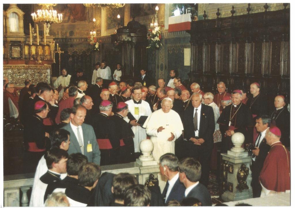 Płock. Wizyta Jana Pawła II 1991r. Katedra Wierni