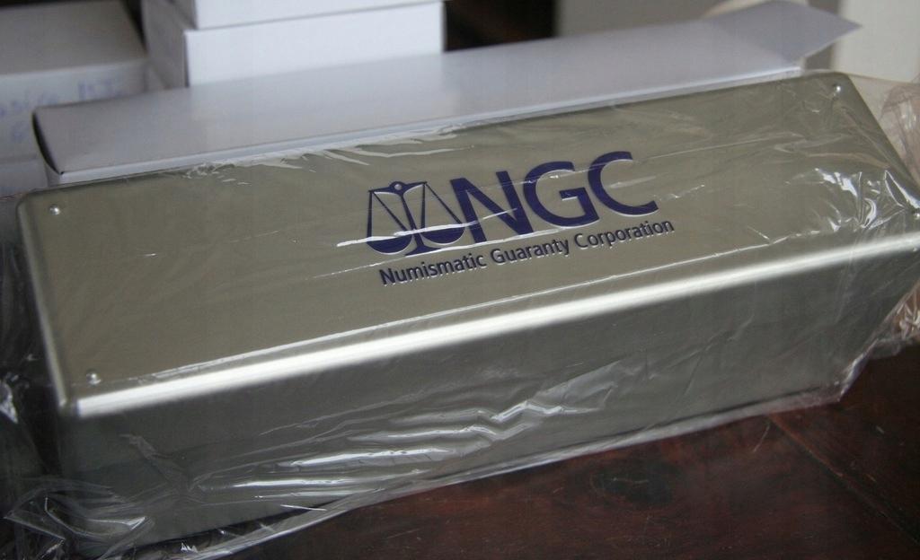 Pudełko nowe NGC - na 20 sztuk slabów