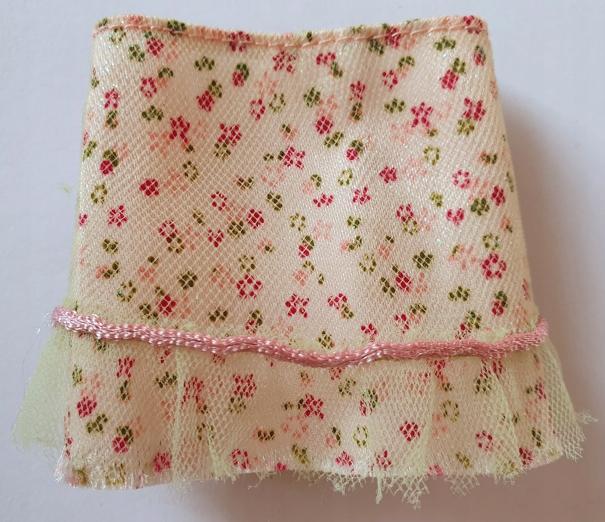 Barbie My Scene ubranko spódniczka kwiaty Mattel