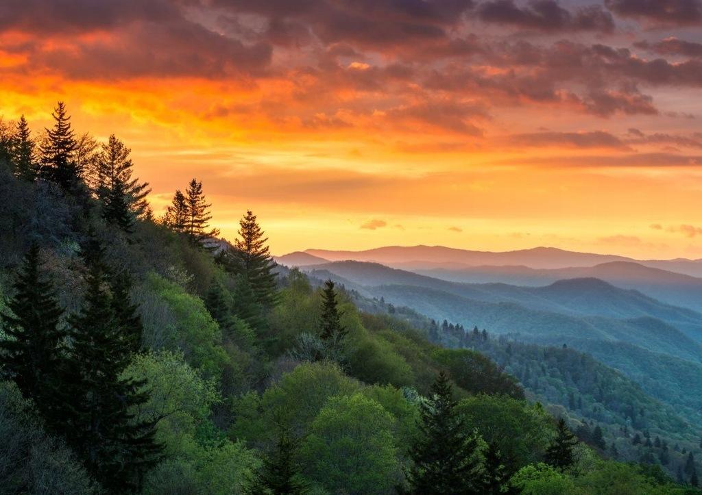 Fototapeta Flizelinowa Góry Wschód Słońca 312x219