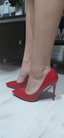 VICES czerwone SZPILKI lakier