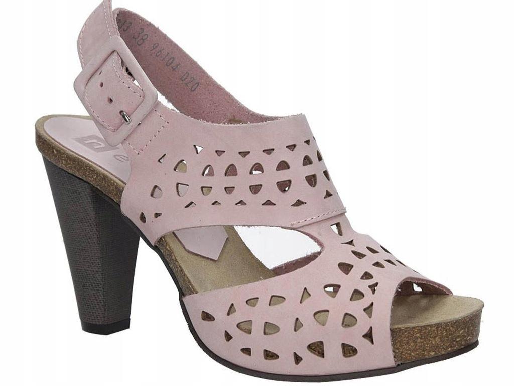 różowe sandały na koturnie nessi