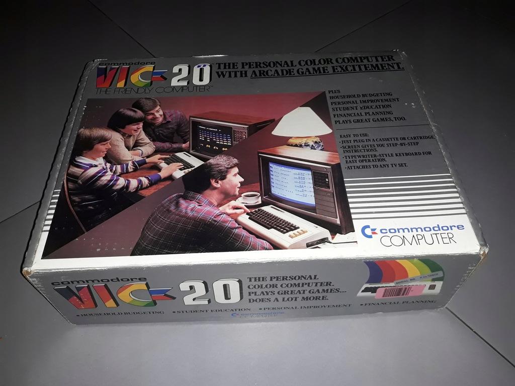 Komputer Commodore VIC 20 + extra dodatki (GRY)
