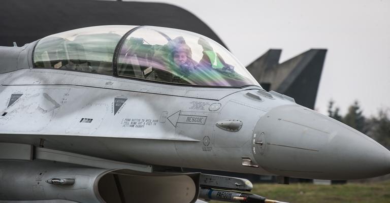 Dzień z życia pilota F-16