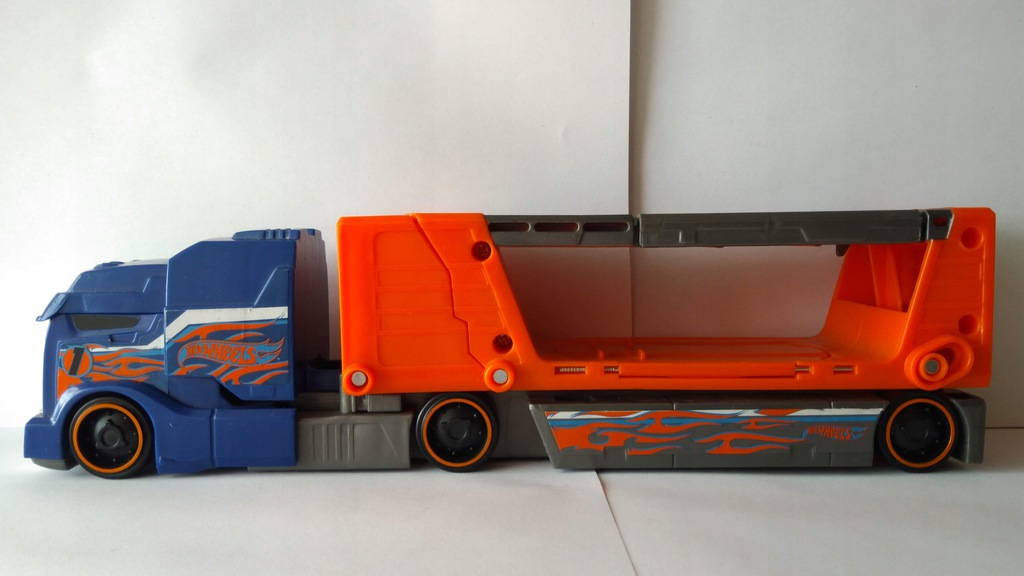 Hot Wheels- Transporter Laweta Kraksa -Mattel 2012