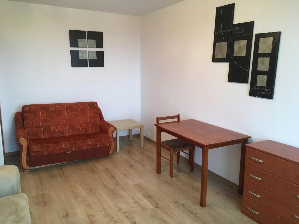 BEZPOŚREDNIO odświeżone 3 pokojowe mieszkanie
