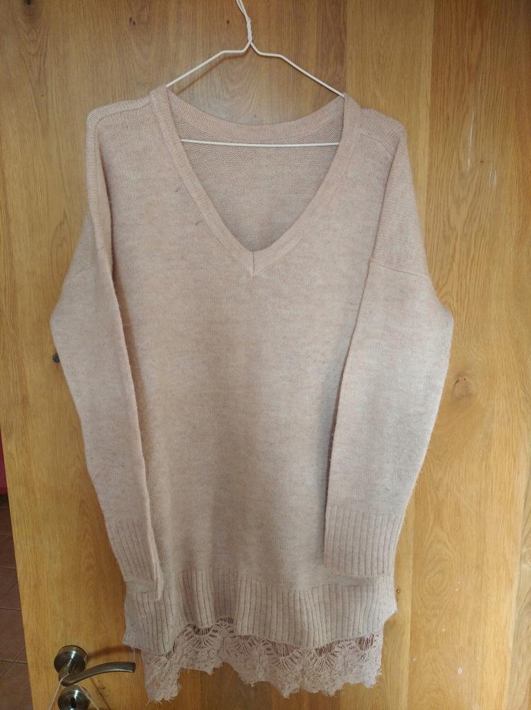Sweterek sexy jasny róż Reserved L z koronka