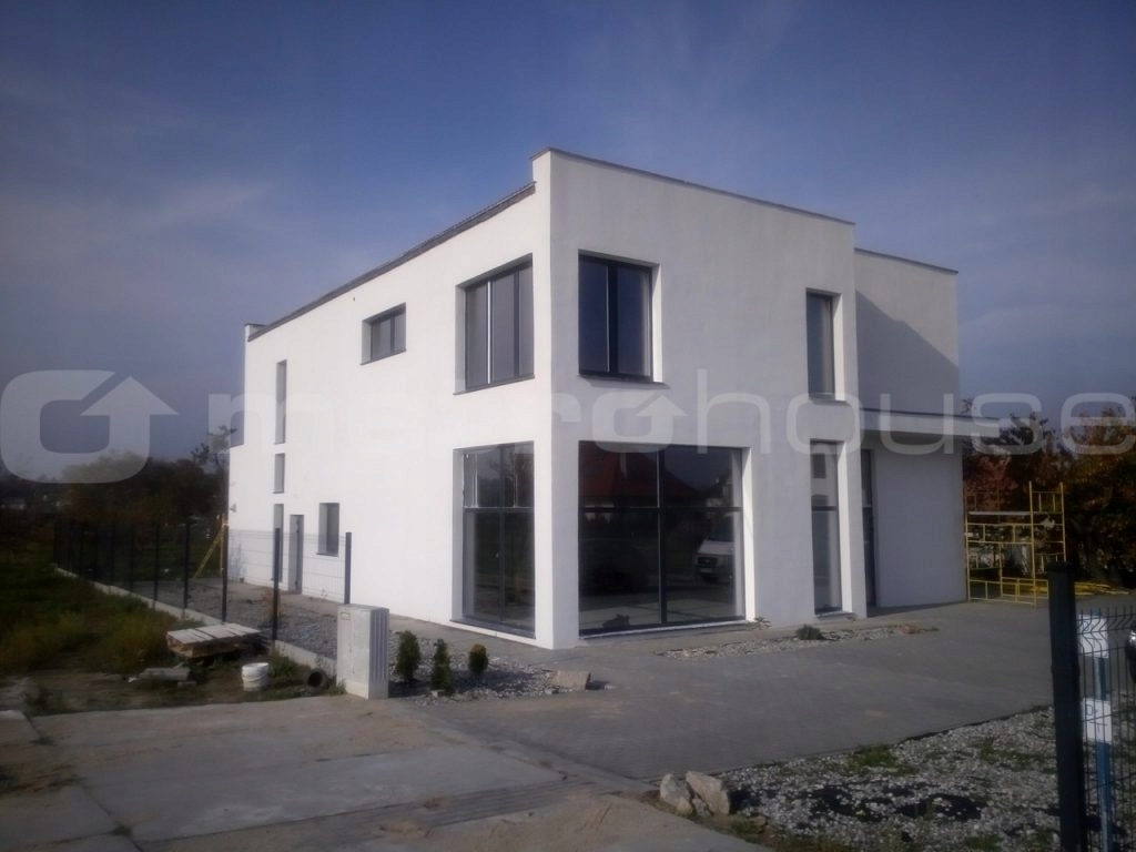 Komercyjne, Malbork, Malborski (pow.), 150 m²