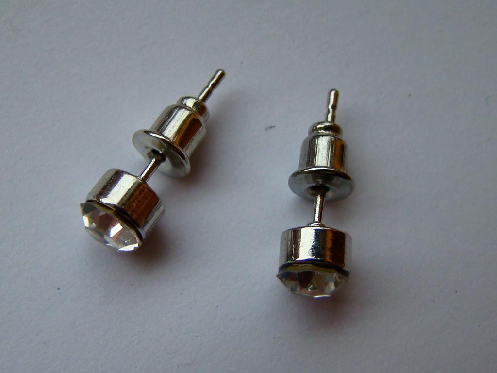 Kolczyki sztyfty - Sinsay - cyrkonie 5 mm