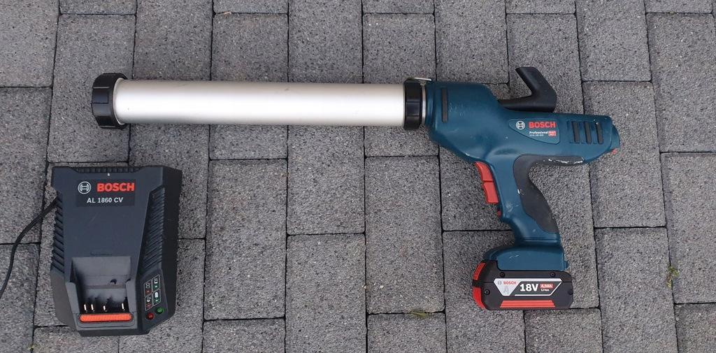 Pistolet aku wyciskacz kleju mas Bosch GCG 18V-600