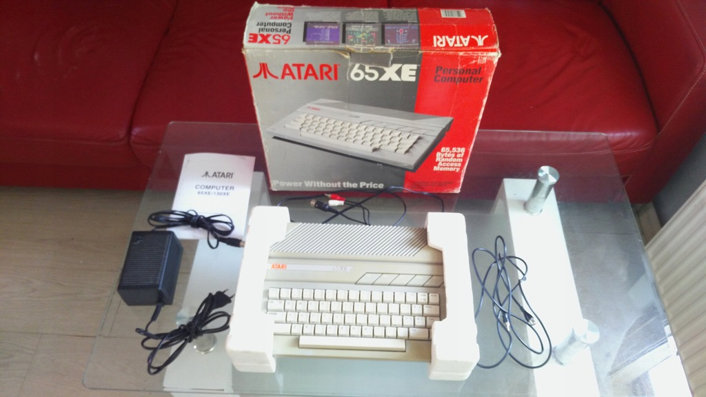 Atari 65XE BOX W BDB STANIE SPRAWNE PLOMBA kabelAV