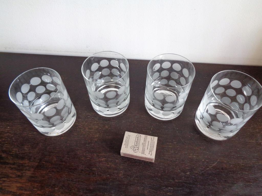 4 szklanki Polka