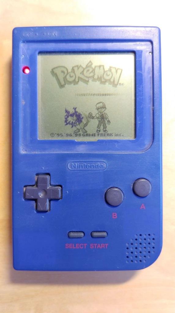 Nintendo Game Boy Pocket + gra Pokemon