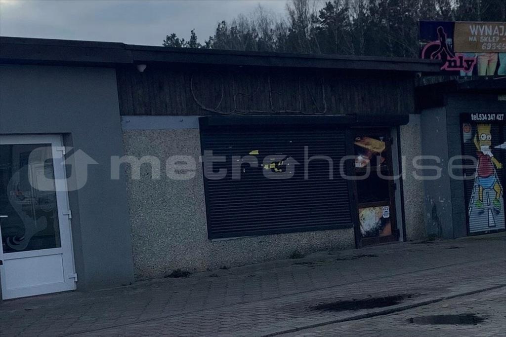 Komercyjne, Strzebielino, Łęczyce (gm.), 23 m²