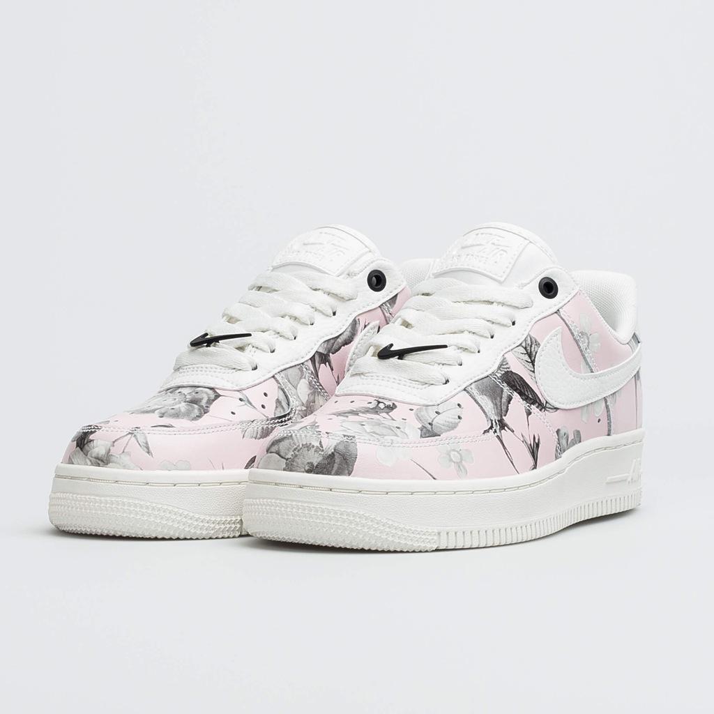 Nike Wmns Air Force 1 07 Lxx Floral