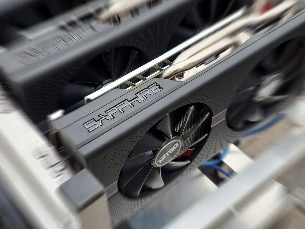 Koparka kryptowalut 12x Sapphire RX580 8GB 360 MHs