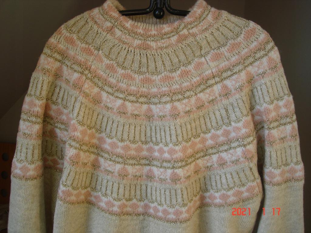 Reserved -sweter damski z wzorem , M.