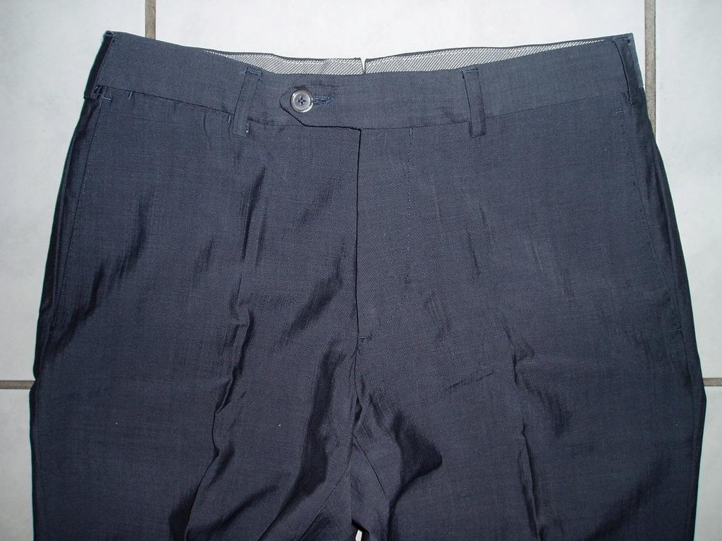 MASSIMO DUTTI - wełniane spodnie(SUPER 120'S)/38