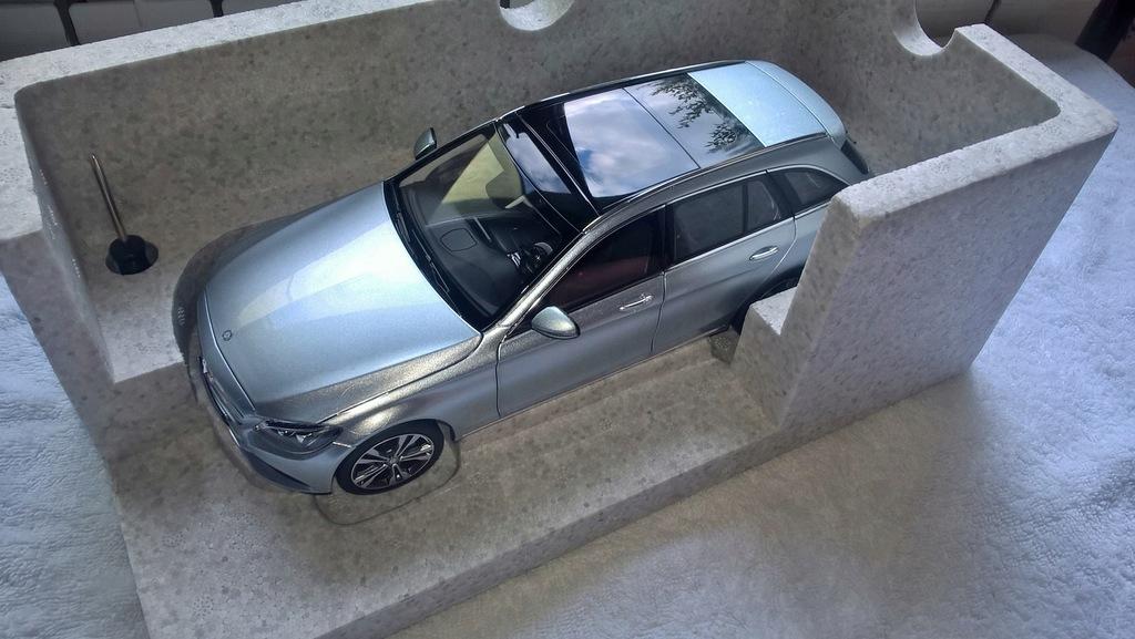 Mercedes C klasa - 1/18 - NOREV - nowy