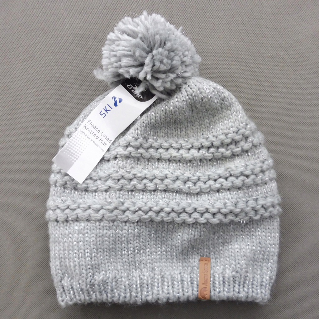 Nowa czapka na polarze srebrna nić