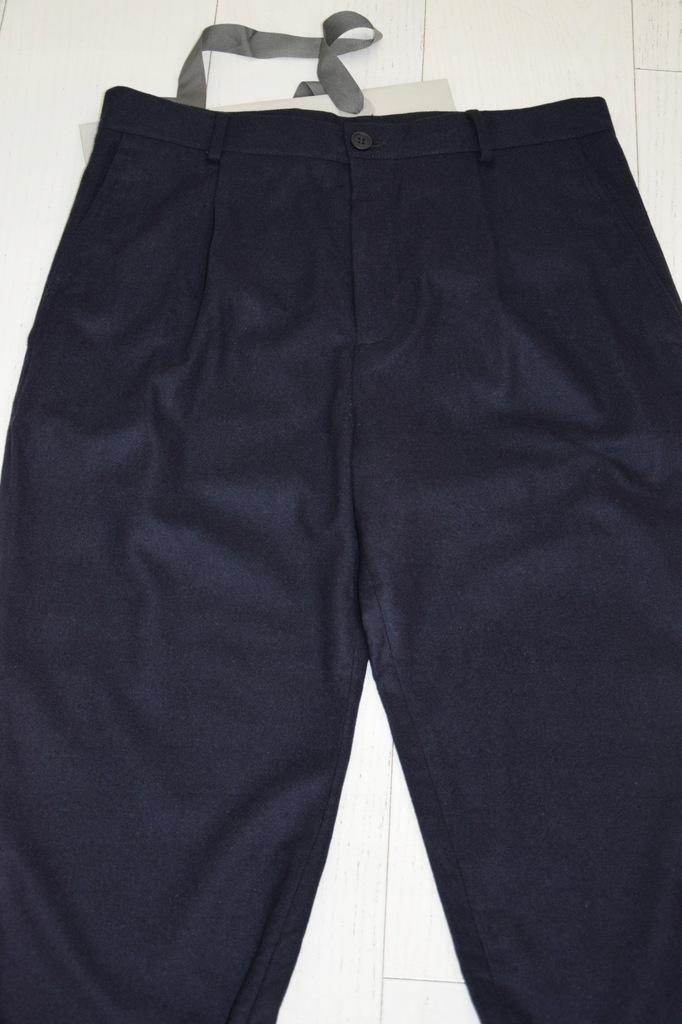 cos baggy granatowe spodnie wełna kaszmir 48/M