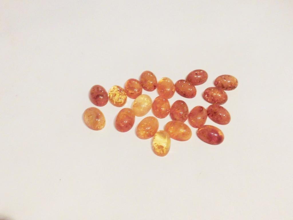 kaboszon bursztyn owal 10 x 14 mm - 1 szt (M556)