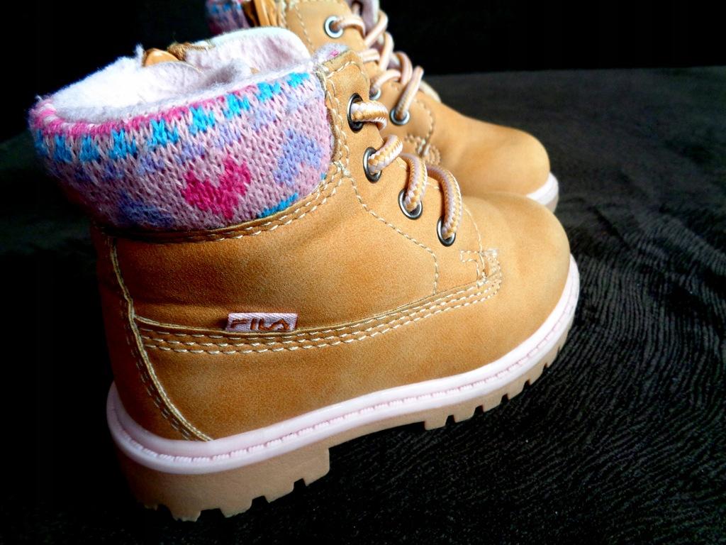 Śliczne buty zimowe FILA rozmiar 21 BOTKI KOZAKI