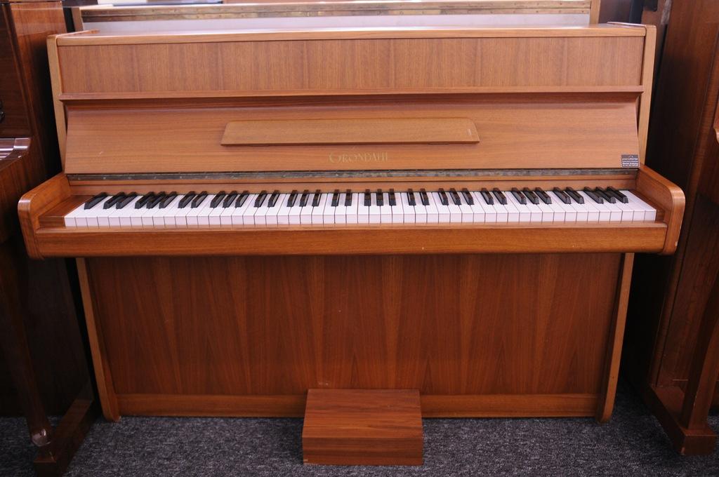Pianino Nordiska Grondahl - wynajem 150,00 zł/mc