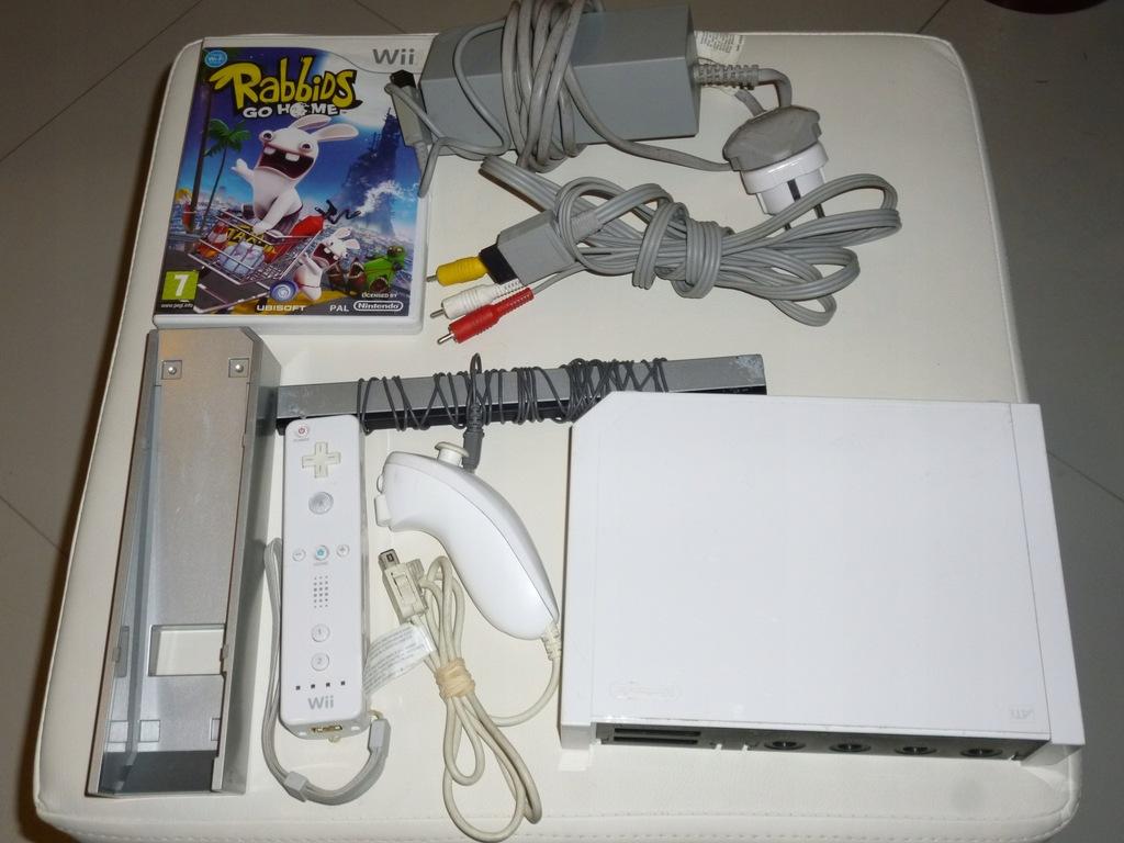 Konsola Nintendo Wii biała gra pady sprawna