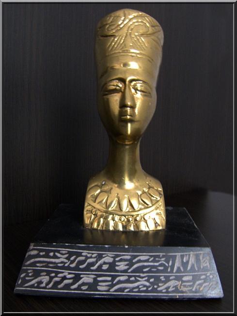 FIGURKA BOGINI NEFERTITI NEFRETETE KRÓLOWA EGIPT