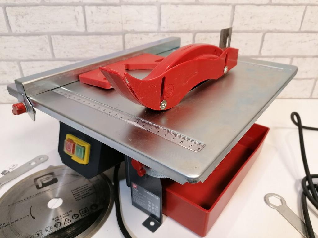 Przecinarka do Płytek GLAZURY PTC450E 180mm 450W